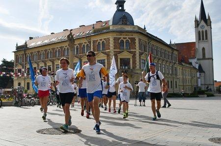 Hungary 30 April Keszthely Zalaegerszeg The Sri Chinmoy Oneness Home Peace Run